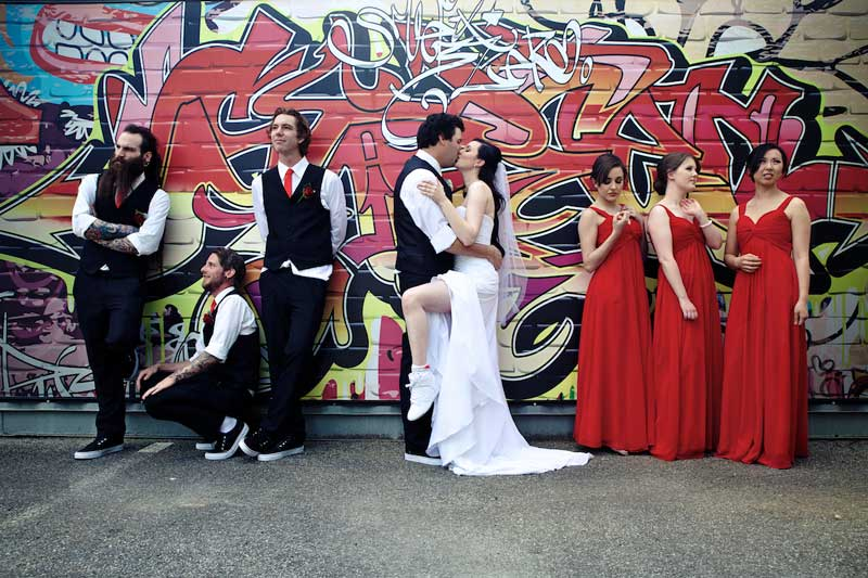 bram-leigh-bridal-party-graffitti-wall