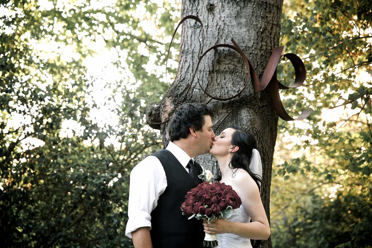 bram-leigh-groom-bride-love-tree