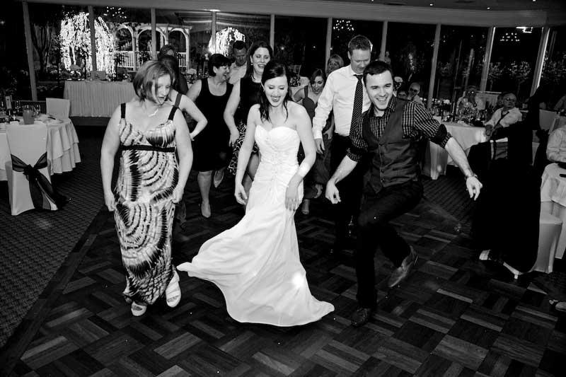 bram-leigh-guests-dancing